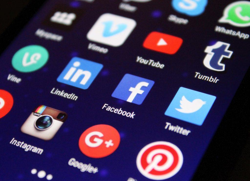 Kırkından sonra dijital hayat ve Sosyal Medya