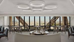 Romantik Şehir Paris ve Eyfel'de Yemek