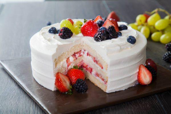 Evde pandispanyalı kremalı kek