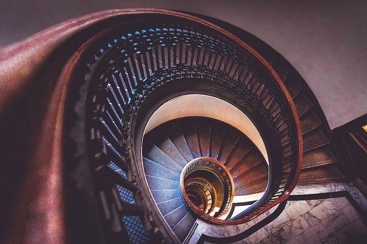 Ortak kullanım alanları Merdivenler