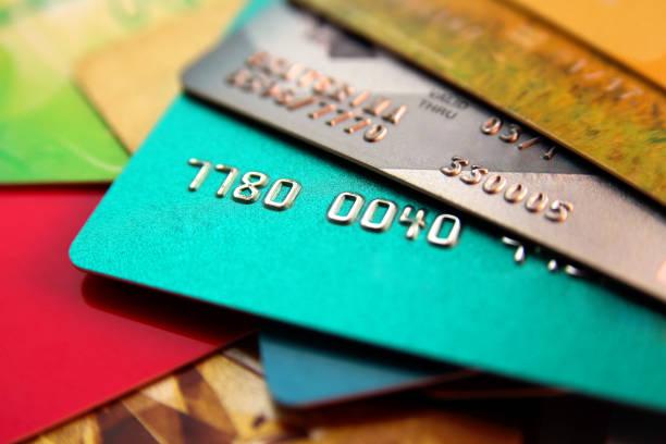 Bankalar emeklide havale ve kredi kartı ücreti almamaktalar