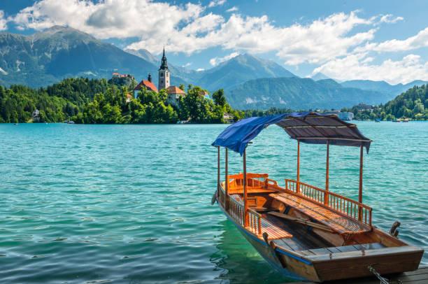 Slovenya Bled göl kayığı