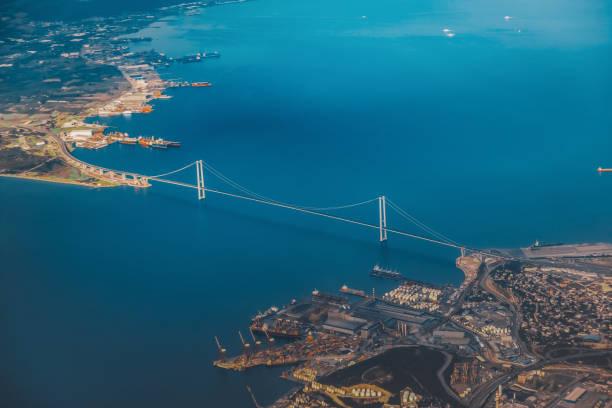 İzmit'in kurtuluşu İzmit körfezi ve Osman Gazi köprüsü