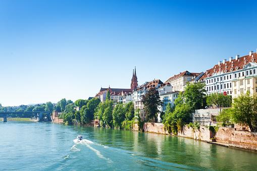 Ren nehri ve Basel