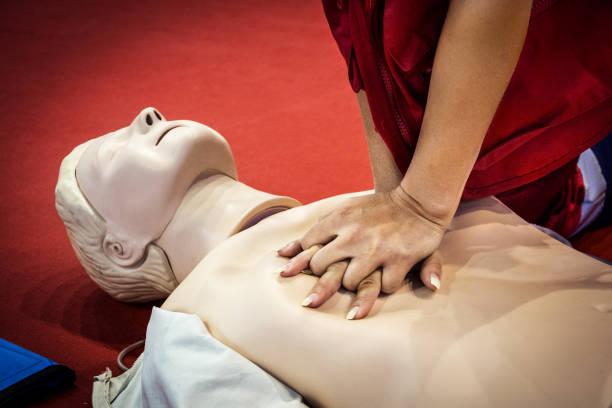 Kalp masajı yapmayı öğrenmek